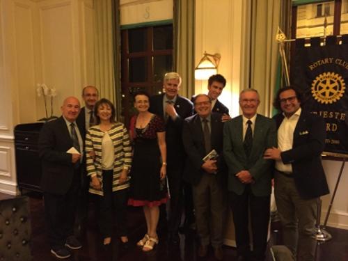 da sx: Giuseppe, Vittorio, Fedra, Paola, Fulvio, Piercipriano, Alessandro, Sergio e Andrea.